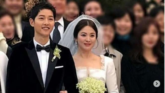 Song Joong Ki dan Song Hye Kyo menikah.