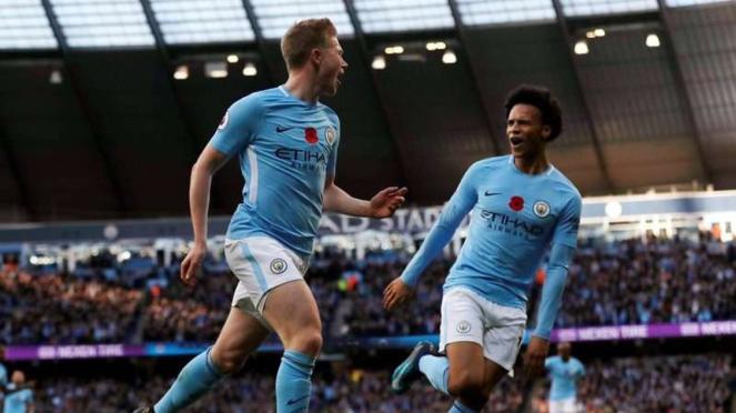 Gelandang Manchester City, Kevin De Bruyne (kiri)