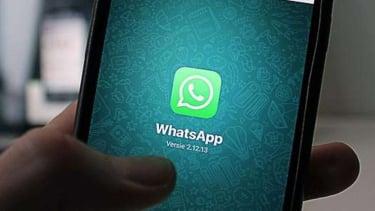 Aplikasi WhatsApp.