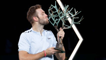 https://thumb.viva.co.id/media/frontend/thumbs3/2017/11/07/5a017946285b8-jack-sock-juara-paris-masters-2017_213_120.jpg
