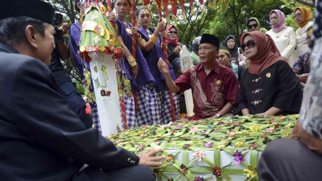 Ilustrasi ragam perayaan menyambut Hari Pahlawan