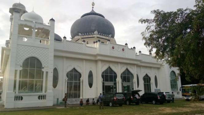 Masjid Rahmatullah di Aceh Besar