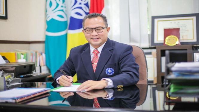 Dr. Arif Satria, SP, M.Si , Rektor IPB periode 2017-2022.