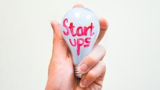 https://thumb.viva.co.id/media/frontend/thumbs3/2017/11/16/5a0d55b308f2b-ilustrasi-startup_325_183.jpg