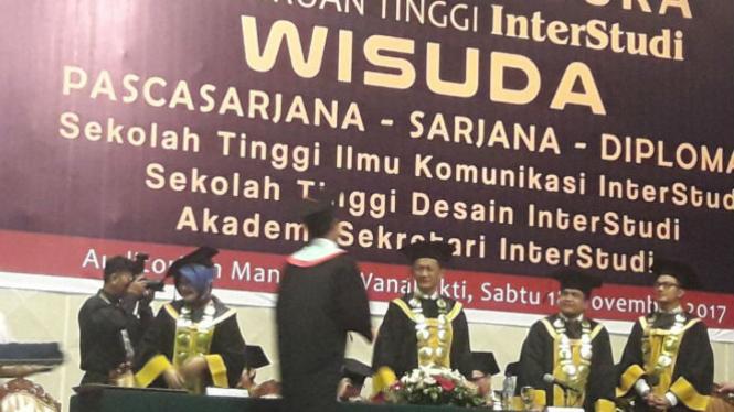 Perguruan Tinggi InterStudi gelar wisuda, Jakarta, Sabtu (18/11).