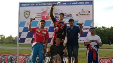 Keanon Santoso (tengah) Juarai Go Batam Fun Race 2017.