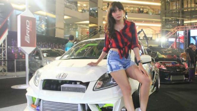 Prily model cantik otomotif