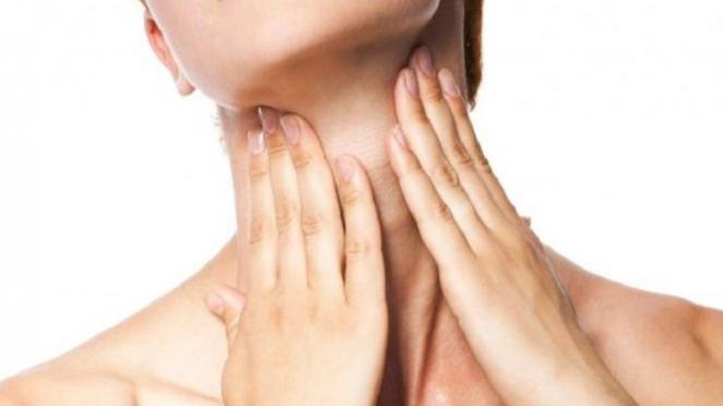 Ilustrasi kulit leher cerah.