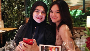 Sarita Abdul Mukti dan Shafa Aliya Harris.