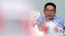 https://thumb.viva.co.id/media/frontend/thumbs3/2017/11/23/5a16c69de7d62-ridwan-kamil-kunjungi-kantor-viva-co-id_213_120.jpg