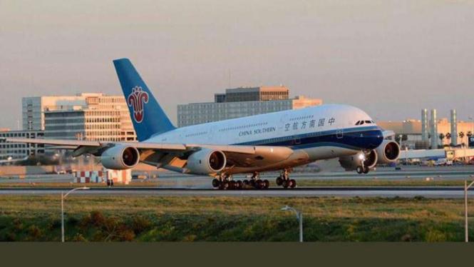Pesawat Airbus tipe A380 milik maskapai China Southern.