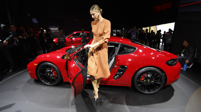 Maria Sharapova Perkenalkan Porsche 718 Cayman GTS