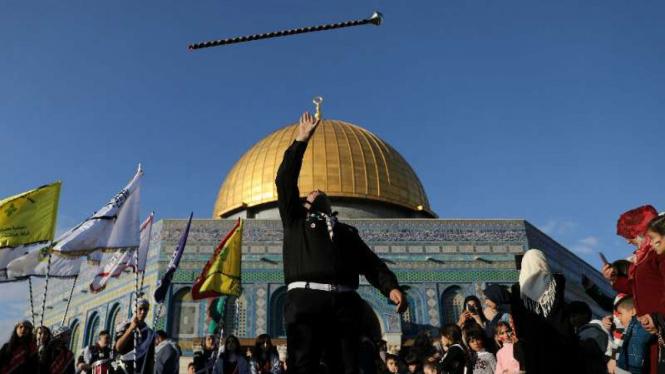 Perayaan Maulid Nabi 2017 di depan Dome of Rock Yerusalem