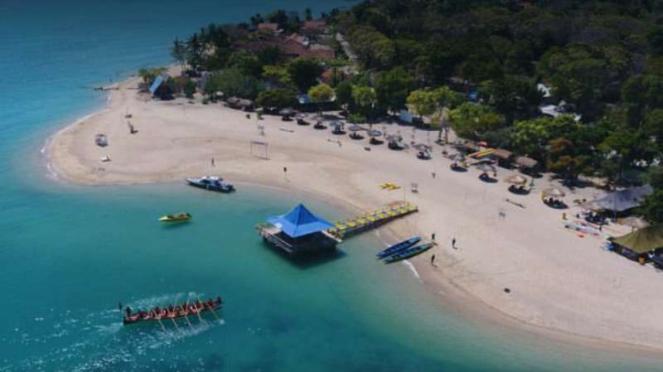 Pantai sembilan, Gili Genting, Sumenep