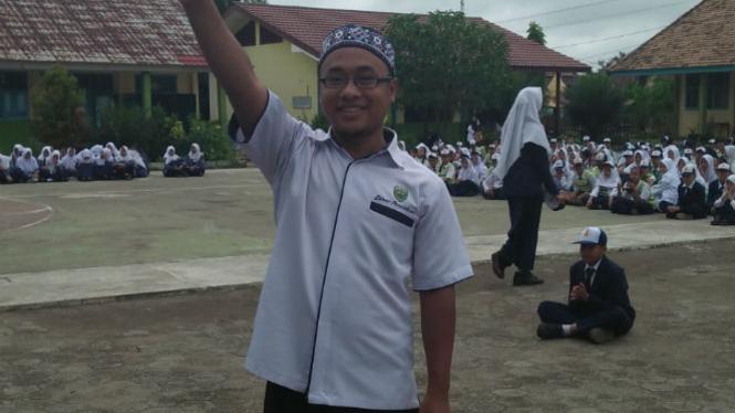 Imam Irfa'I, S.Kom, Guru Bimbingan Konseling SMPN 1 Model Babat Toman.