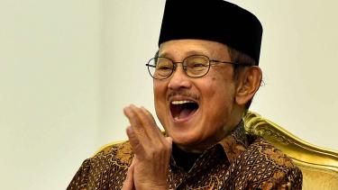 BJ Habibie meninggal dunia.
