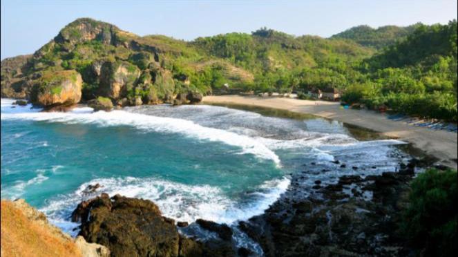Lokasi panjat tebing pantai Siung.