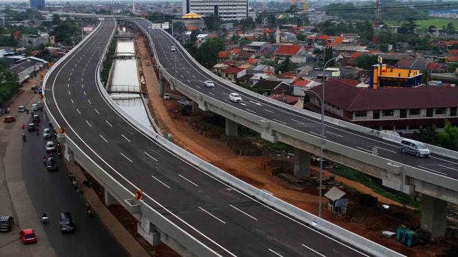 Tol Bekasi Cawang Kampung Melayu ( Becakayu )