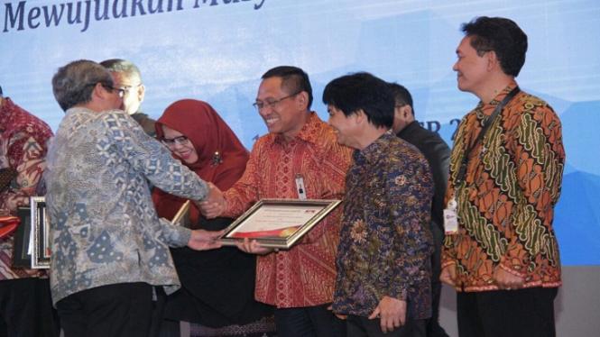 PLN raih penghargaan LHKPN 2017.