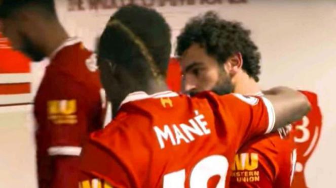 Dua striker sayap Liverpool, Sadio Mane dan Mohamed Salah