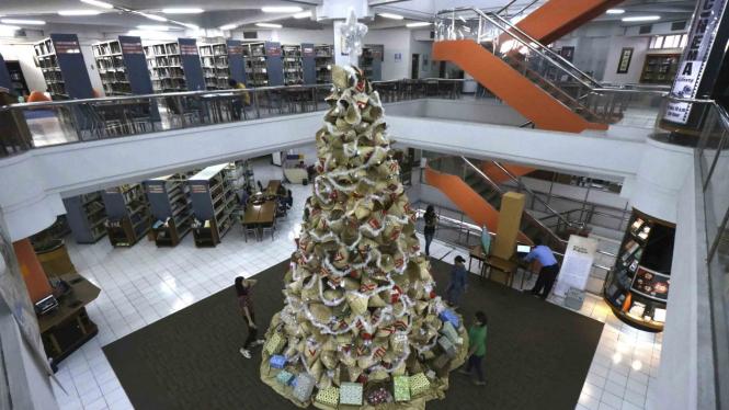 Pohon Natal Unik di suatu gedung beberapa waktu lalu.