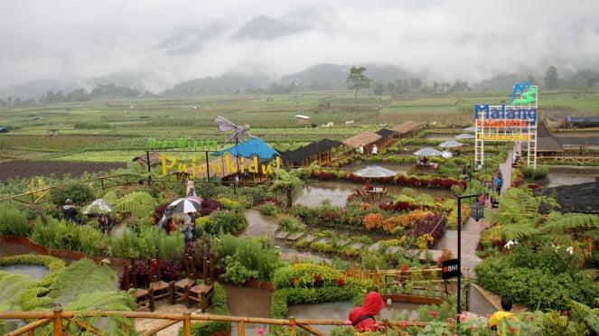 Pemberdayaan BUMDes Wisata Desa Pujon Kidul di Malang