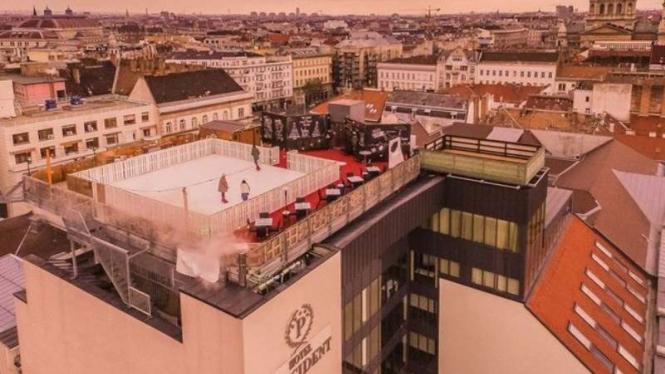 Bermain ski di atas atap Hotel President, Budapest Hungaria