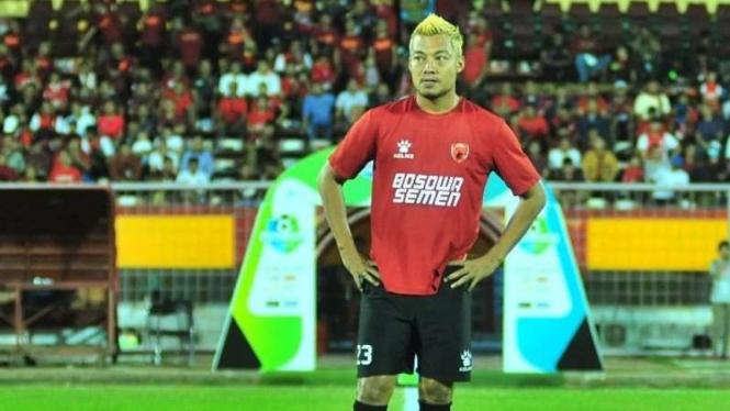 Hamka Hamzah saat membela PSM Makassar di ajang Liga 1