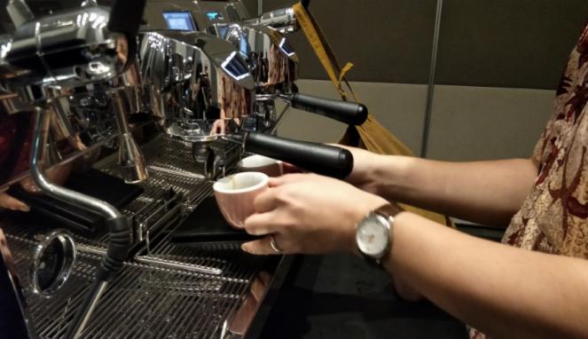 Mesin espresso.