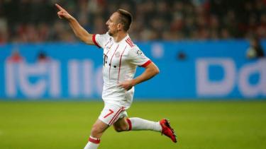 Winger Bayern Munich, Franck Ribery rayakan gol.