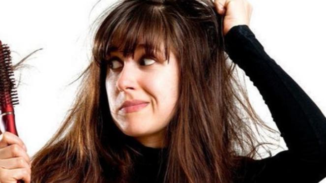 Ilustrasi rambut mudah rontok.