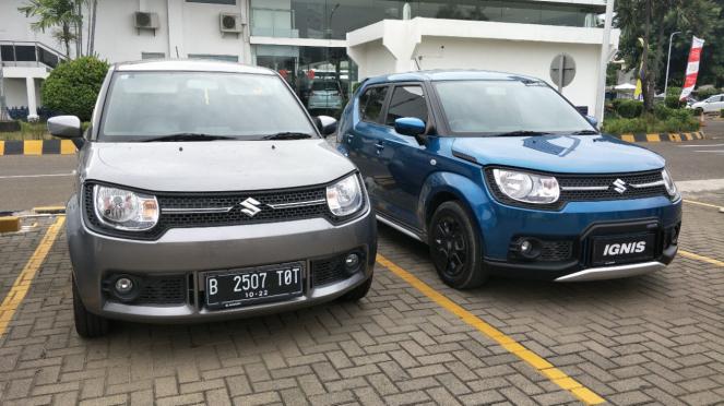 Perbandingan Suzuki Ignis lama (kiri) dan baru (kanan).