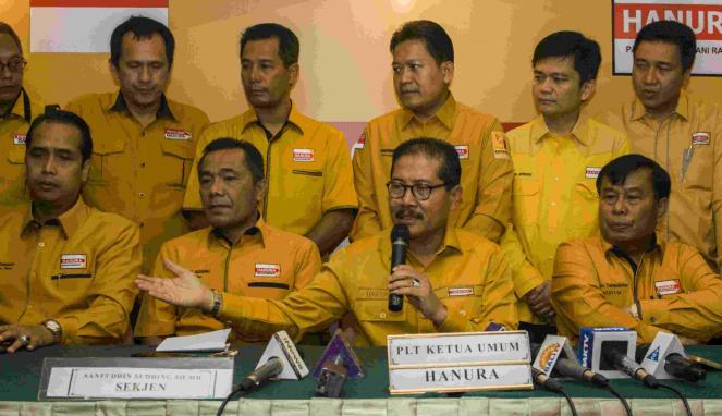 Elite Hanura konferensi pers pemecatan Oesman Sapta Odang