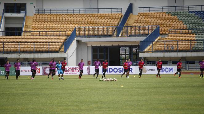 Sriwijaya FC Jajal Rumput Stadion Gelora Bandung Lautan Api