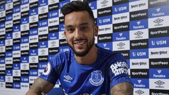 Theo Walcott resmi gabung Everton