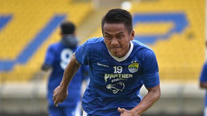 Bintang Persib Bandung, Ghozali Siregar.