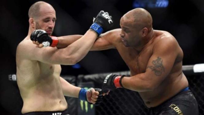 Laga Volkan Oezdemir Vs Daniel Cormier UFC.