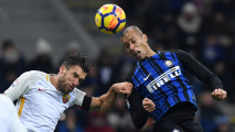 https://thumb.viva.co.id/media/frontend/thumbs3/2018/01/22/5a65a164762e3-inter-milan-vs-as-roma-berakhir-imbang_213_120.JPG