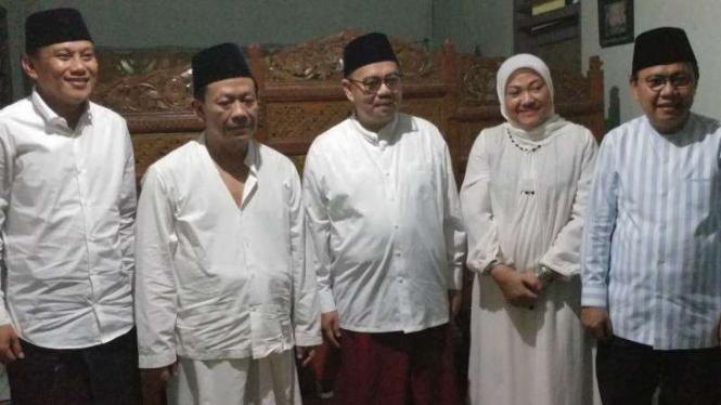 Sudirman Said bersama Pimpinan Pondok Pesantren Girikusumo, KH Munif Zuhri.