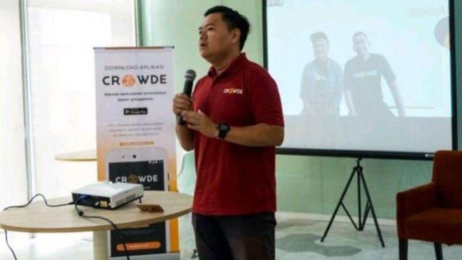 CEO Crowde Yohanes Sugihtononugroho.
