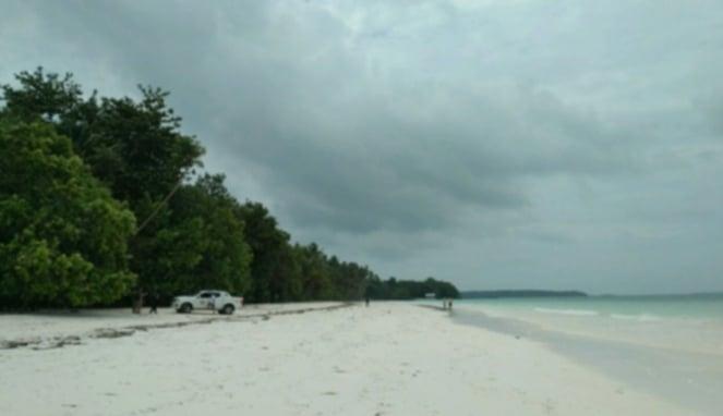 Pantai Pasir Panjang Ngurbload Tual Maluku Tenggara