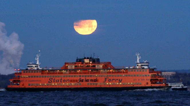 Gerhana Bulan Total Super Blue Blood Moon di New York
