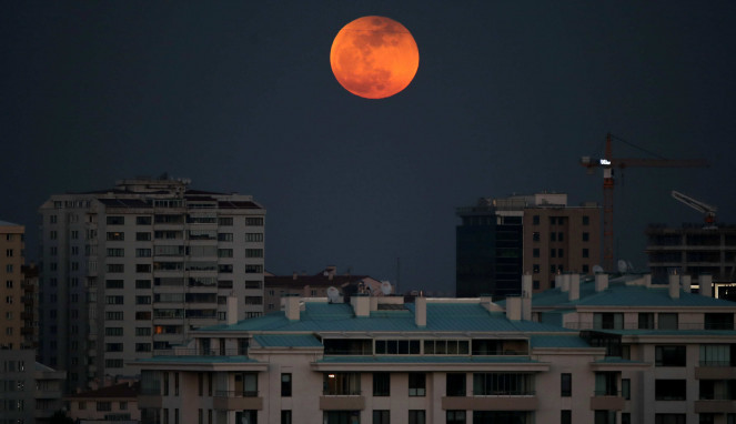 Gerhana Bulan Total Super Blue Blood Moon di Turki