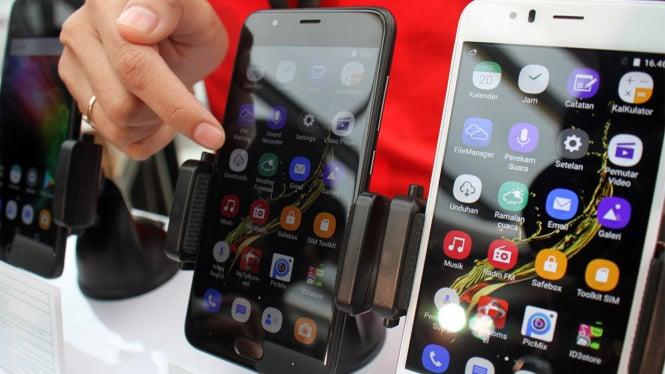 Sharp R?ilis Smartphone R1s dan Pi