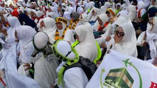 Ilustrasi ribuan calon jemaah umrah.