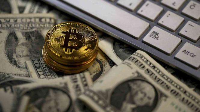 Bitcoin lahir dari teknologi Blockchain.