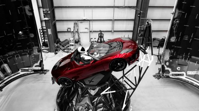 Mobil listrik Tesla Red Roadster