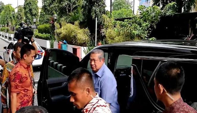 Presiden RI keenam, Susilo Bambang Yudhoyono di Bareskrim Polri