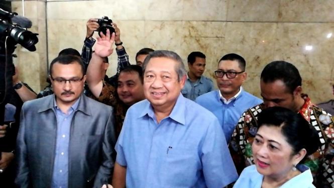 Presiden RI keenam, Susilo Bambang Yudhoyono melapor ke Bareskrim Polri.