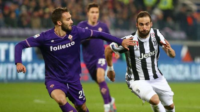 Duel Fiorentina vs Juventus.
